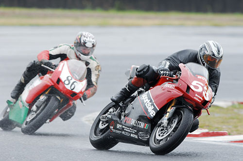 P.Martin Ducati 999s NSW Road Racing Championship. Peter leads the talented Beau Beaton.